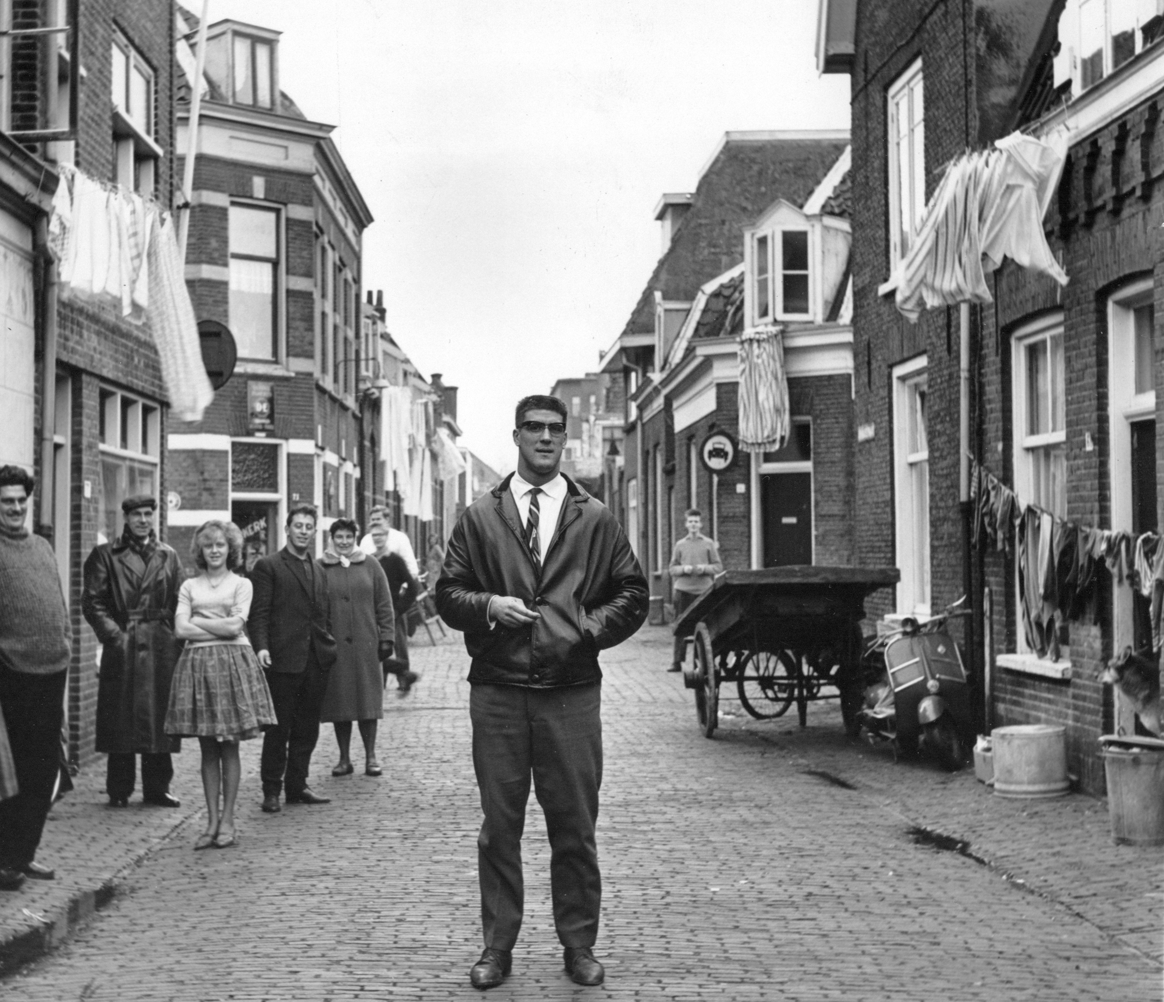 Anton Geesink op straat
