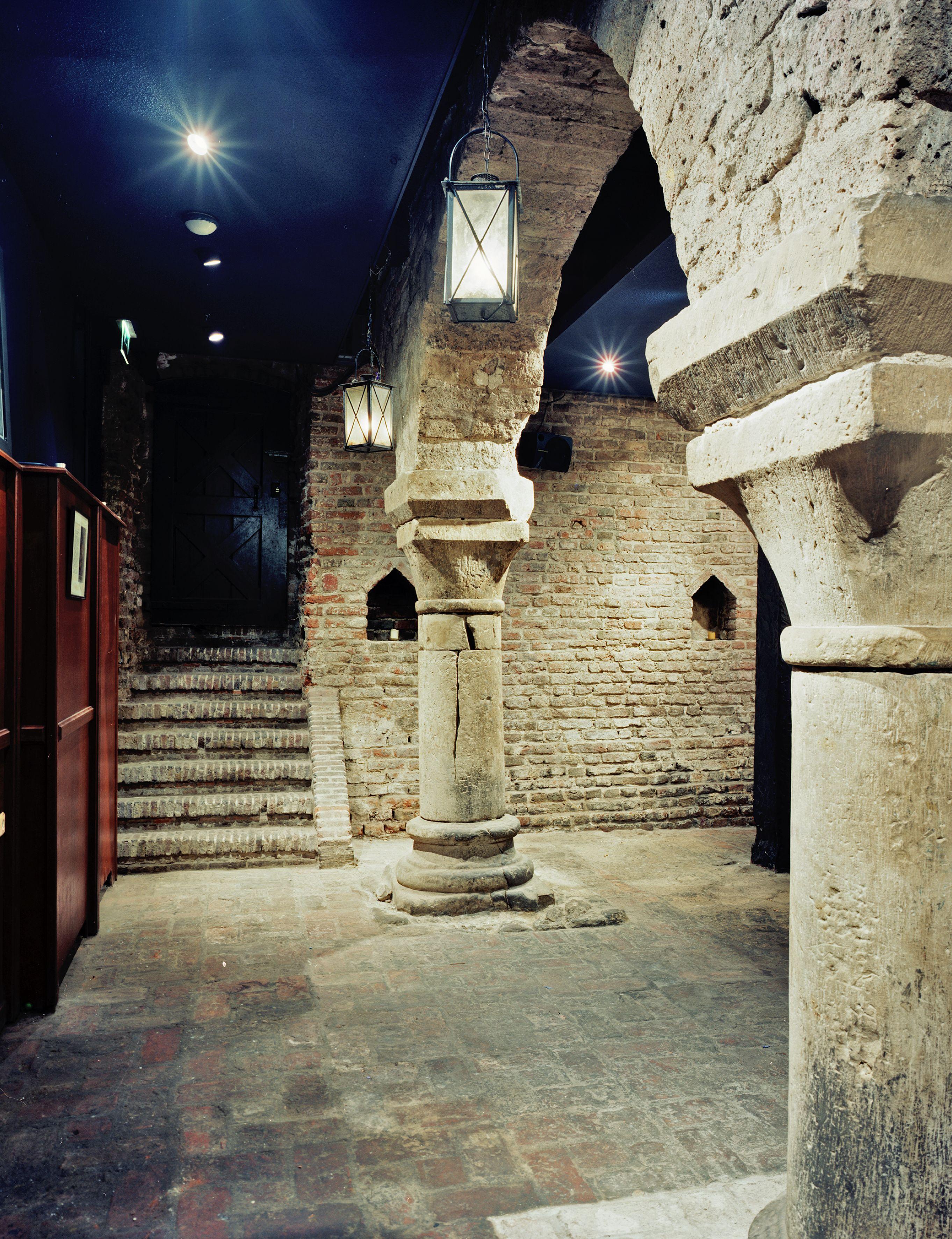 Resten van het keizerlijk paleis Lofen in Utrecht, waar de keizer stadsrecht gaf aan Utrecht.